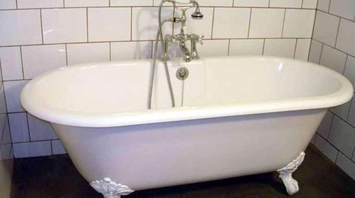 Comment Nettoyer Une Baignoire En Fonte Émaillée comment redonner de l'Éclat à sa baignoire ?